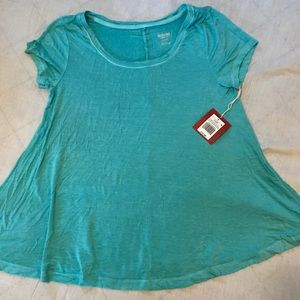 🎊🎉 New with tags Mossimo T Shirt